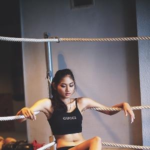 Aksi Boxing Menantang dari Indira Devi