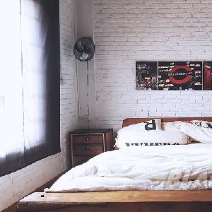 Contoh produk tempat tidur Yokz Industrial