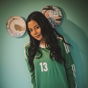 Asti Levina  -Pendamping Sempurna Nonton Piala Dunia-