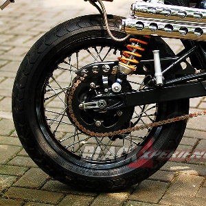 Ban belakang Pirelli MT60