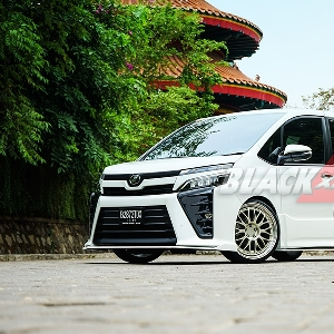 Modifikasi Toyota Voxy, Project 'Trial Error' Buahkan Van MPV nan Sporty