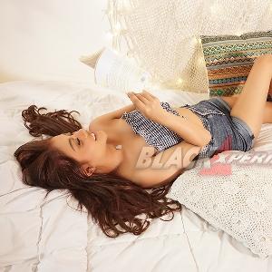 Valentcia Natalie - Sosok Manja Pengusik Hati-