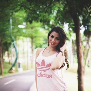 Strolling Around with Pricyla Neva