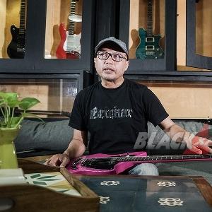 Toein B Radix, Kreator Gitar Lokal yang Menembus Persaingan Global