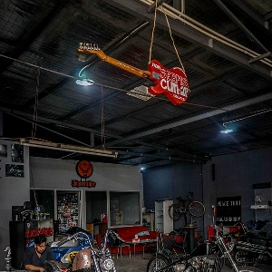 Lawless Garage Jakarta : All About Biker's Lifestyle
