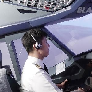 Vincent Raditya, Hadirkan Kontribusi ke Dunia Aviasi Melalui Flight Deck Indonesia