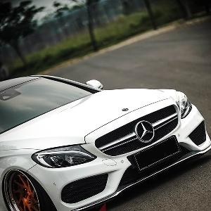 Modifikasi Mercedes-Benz C300 Coupe W205 nan Simpel dan Eksklusif