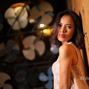 Hangout Asik Denis Sandra Ke Konser Musik