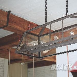 Lampu gantung yang dibuat dari barang bekas