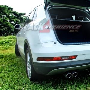 Lampu belakang menyatu dengan pintu menjadi ciri khas Audi