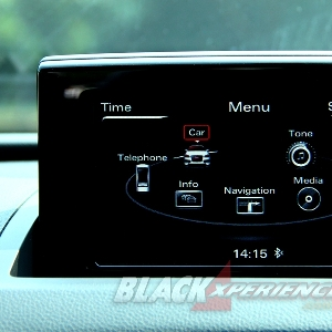 LCD monitor yang dapat ditutup manual