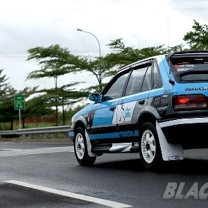 Modifikasi Mazda Familia 1989: Style Rally Never Die