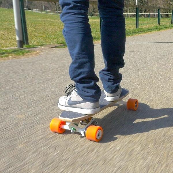 Bolt, Skateboard Pintar dengan Segudang Kemampuan