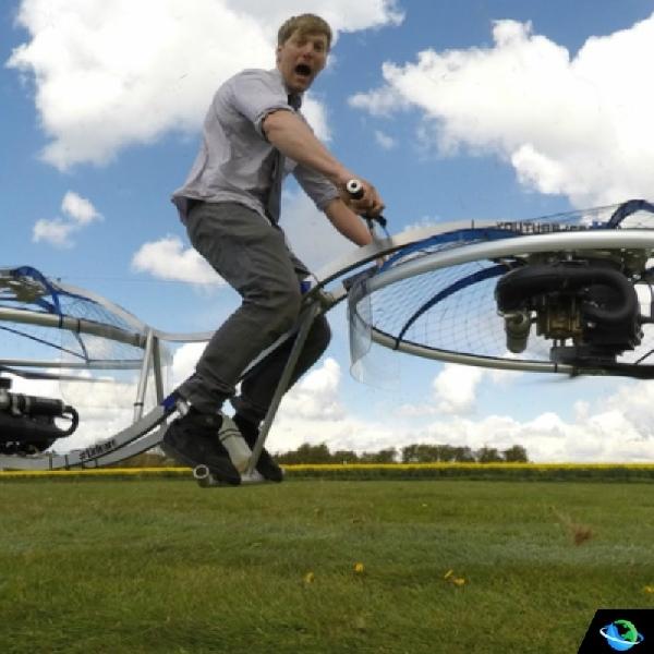 Keren, Youtuber Inggris Mampu Ciptakan Sepeda Motor Terbang (Hoverbike)