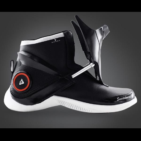 Sepatu Sneaker Pintar Ini Punya Fitur Fitness Tracker