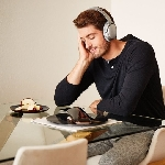 Love, Turntable Wireless Cerdas Pertama di Dunia