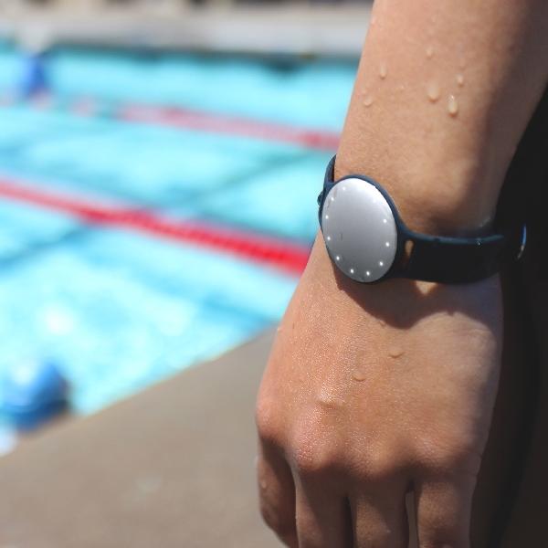 Lacak Kegiatan Berenang Anda dengan Speedo Shine 2