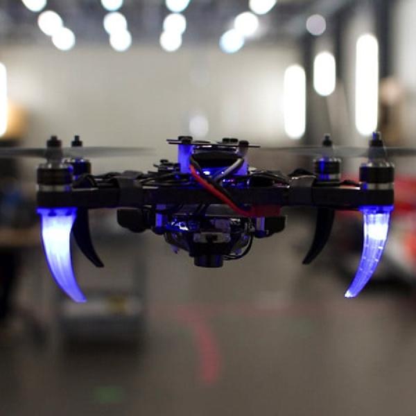 Sekarang Drone Bisa Dikendalikan Dengan Pandangan Mata