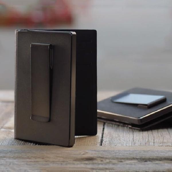 Zilion, Dompet Kartu yang Bisa Mengisi Daya Smartphone