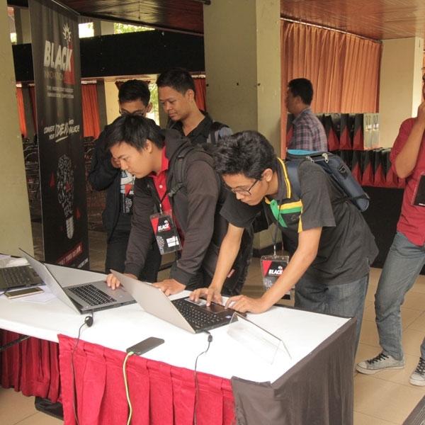 Gelaran BlackInnovation 2016 Roadshow Berhasil Gugah Naluri Kreatif Inovator Yogyakarta