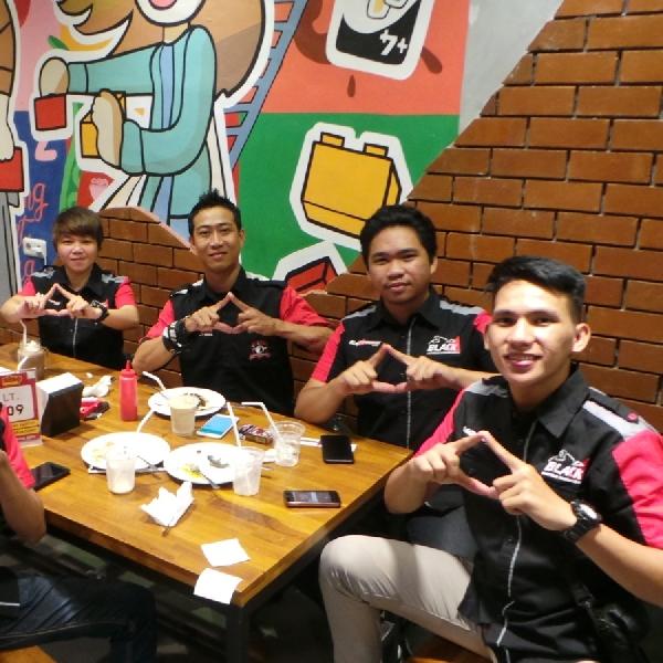 Ramai-Ramai Nobar MotoGP di BLACKNATION MEET UP 2018 Manado