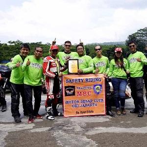 Ratusan Motor Besar Club Berlatih Safety Riding