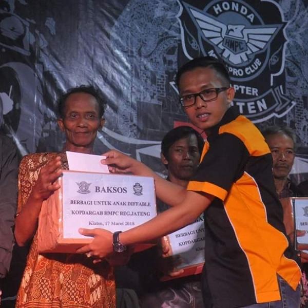 Komunitas HMPCI Regional Jateng Kopdar Sambil Aksi Sosial untuk Kaum Difabel