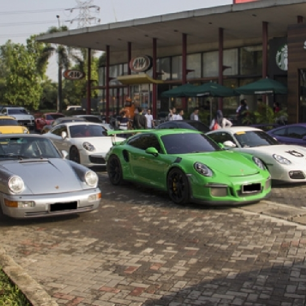 Porsche Club Indonesia Cipali, Cirebon Touring & Charity