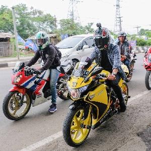 Ali Andriansyah Berikan Pengalaman Bersama Klub Motor Cirebon dan Bandung