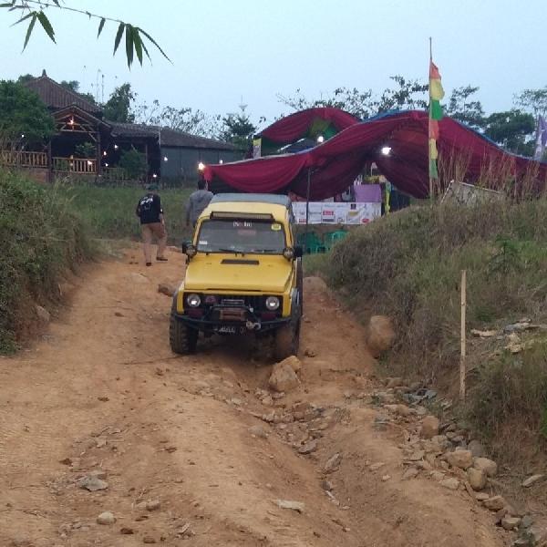 Gelar Anniversary ke-5, SKIn Jakarta Gelar Fun Offroad di Desa Pelangi Sentul