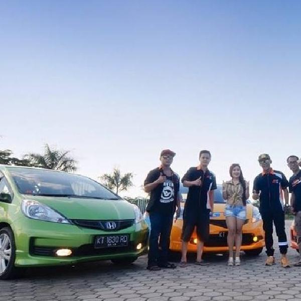 Puluhan Komunitas Mobil Kumpul BareNGK di Balikpapan