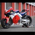 Wahana Ajak Komunitas Big-Bike 'Geber' Honda RC213V-S