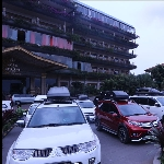 Family Gathering Pengguna Roofbox Whale Carrier
