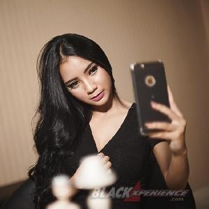 Yoshie Selena - Modeling dan Presenter Jadi Impiannya