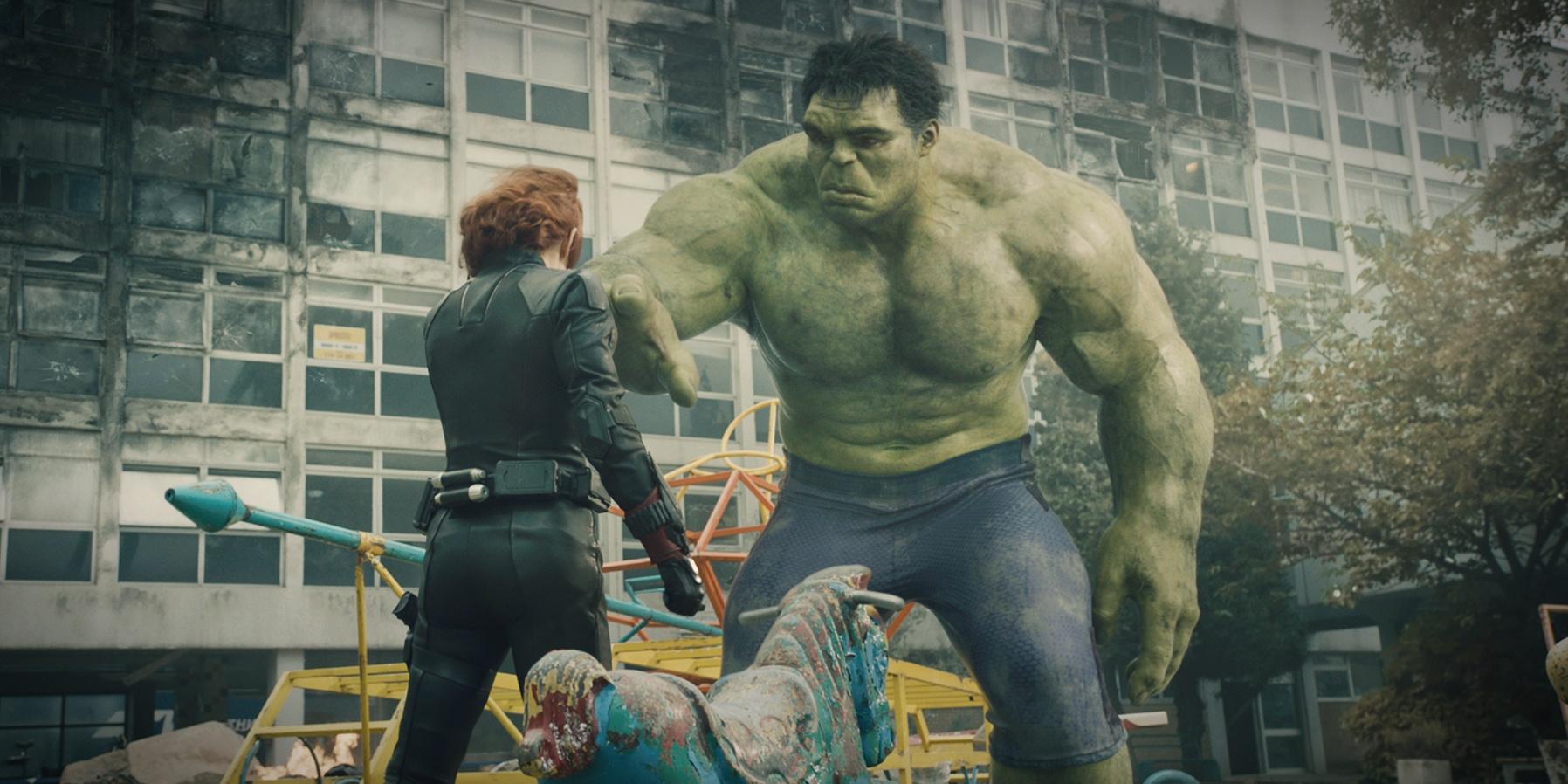 Emosional, Hulk Dan Black Widow Reunian Di Avengers Ke-3 -3721