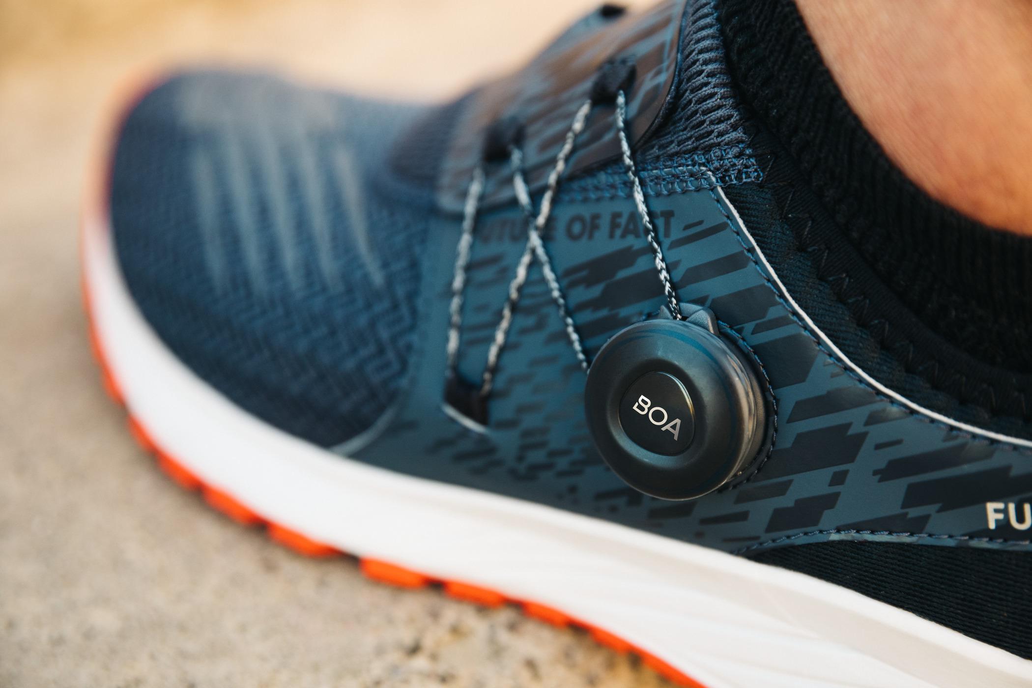 Boa Lacing System Tali Sepatu Praktis Mendarat Di Asics