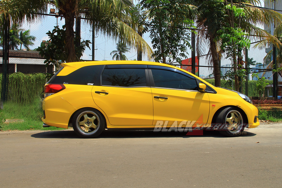 Modifikasi Honda Mobilio Street Racing Stage 2 Blackxperience Com