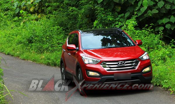 Komparasi KIA Sorento dan Hyundai Santa Fe Duel Sedarah ...