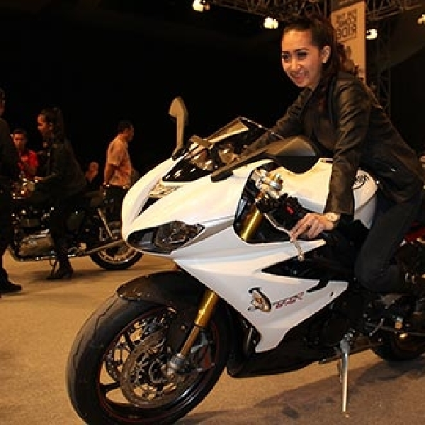 MURI Anugerahi Triumph Motorcycle Indonesia Dengan Rekor Baru
