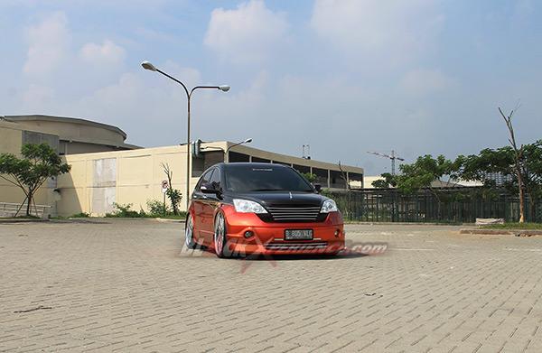 Tampang depan Honda CR-V elegant VIP