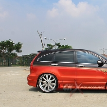 Tampak samping Honda CR-V elegant VIP