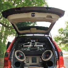 Perangkat audio menghuni kabin bagasi